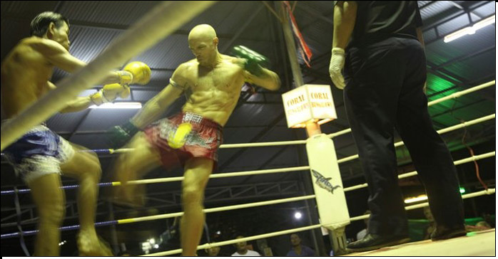 Simon Phillips fighting for Diamond Muay Thai